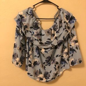 Super cute blue flower top